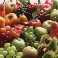 Tome alimentos de temporada y maduros